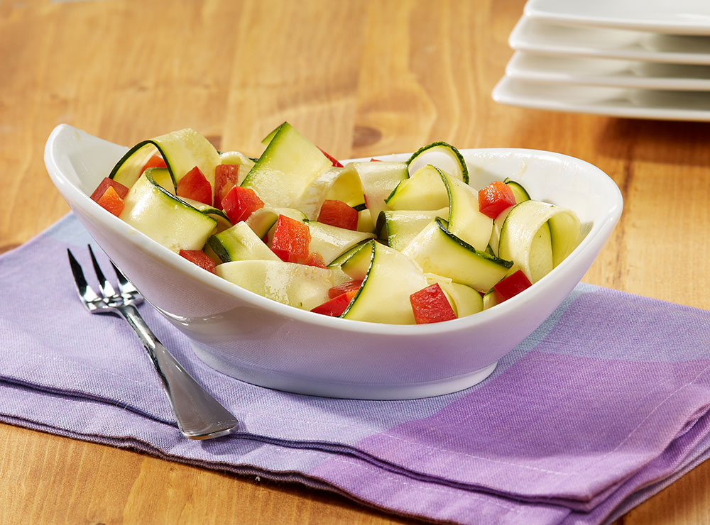 Zucchini and red pepper salad