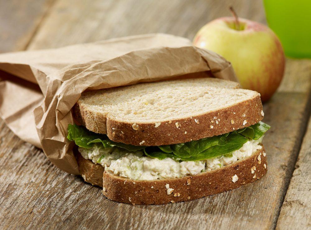 Sandwich poulet et pesto